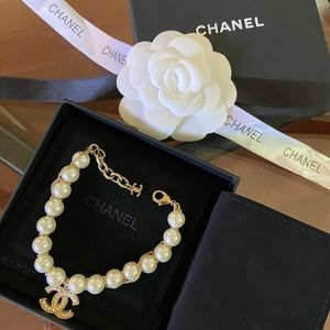 Chanel pearl and gold bracelet
